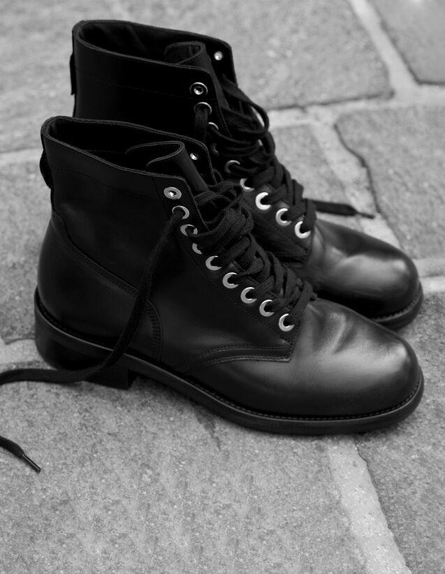 Boots motardes à œillets dorés   Toutes les Chaussures couleur Noir 3453ae70e871